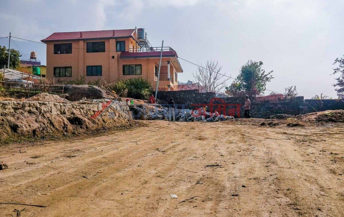 land and houses for sale